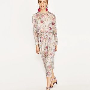 ZARA Floral Printed Flowing Midi Dress 🌸